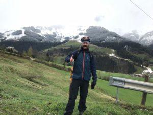 Toimitusjohtaja vuoristoniityllä